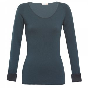 cashmere-crew-neck-sweater-in-petrol-blue-with-silk-cuff-londonw11