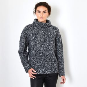 Boucle cashmere sweater 2