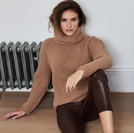 100% Italian cashmere sweater in cream fudge