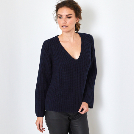 Navy Chunky V-neck cashmere sweater in 12 ply 100% Italian cashmere