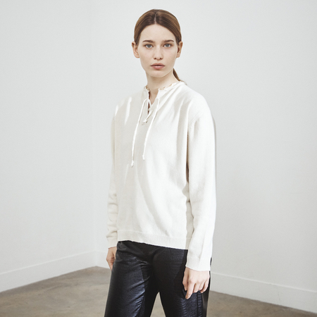 Lace-up recycled cashmere sweater in ivory